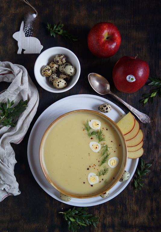 Jabłkowa zupa z chrzanem (1)